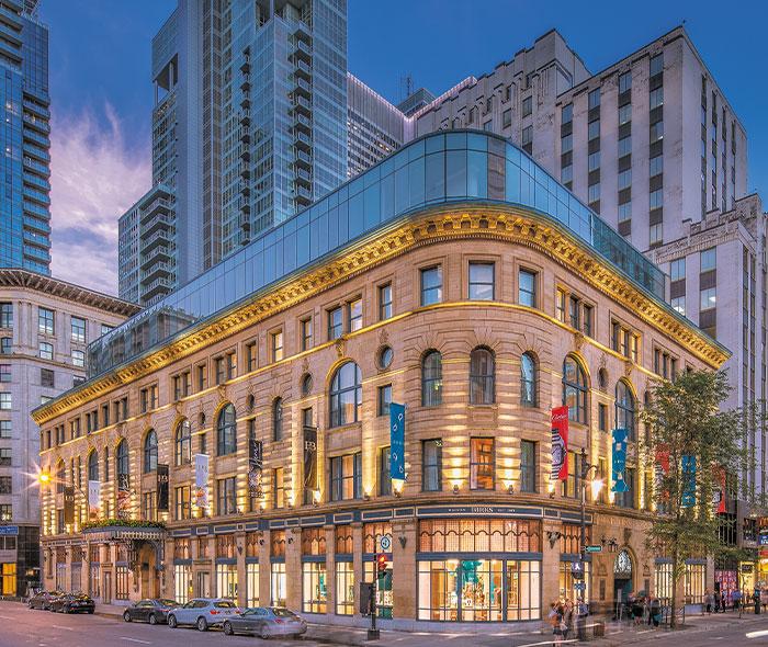 Vue du centre-ville de Montréal près des condos neufs à vendre de 1 Square Phillips
